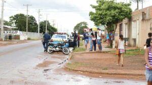 Motorista sem CNH passa por cima de criança e é detido por populares na Capital