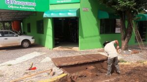 Após chuvas intensas, Secretaria de Obras realiza limpeza de ruas e bueiros em Bonito (MS)