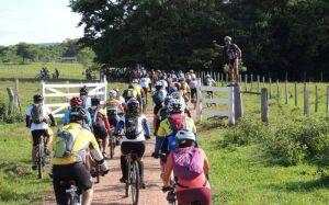Encontro de Mountain Bike reúne cerca de 250 bikers em Bonito