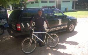 Menor mata aula, furta bicicleta e vai para o Balneário Municipal de Bonito