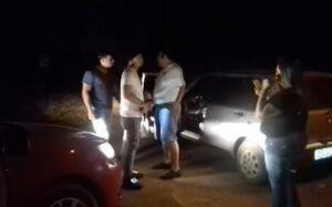 Abordagem violenta de 'policiais' com arma em punho em campanha eleitoral gera revolta em Bonito