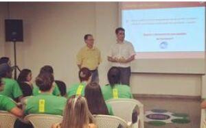Supermercado Santos realiza palestra educativa com jovens em Bonito