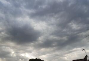 Terça-feira nublada ameniza o calor dos últimos dias, em Bonito (MS)