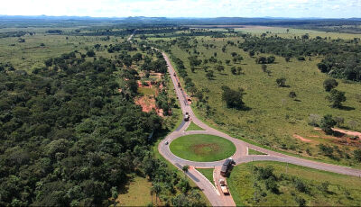 Governo executa tapa-buraco e projeta recapeamento na MS-382, acesso a cidade de Bonito