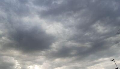 Dia amanhece 'geladinho' e a previsão é de chuva, em Bonito