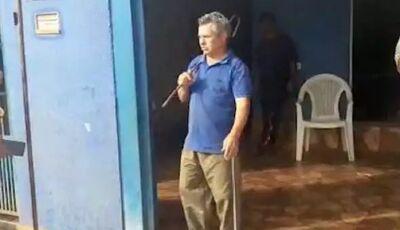 Pastor tenta impedir com barra de ferro nas mãos, mas Igreja acaba lacrada em MS