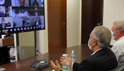 Em reunião virtual com governadores, Ministério da Saúde anuncia distribuir vacina contra Covid-19