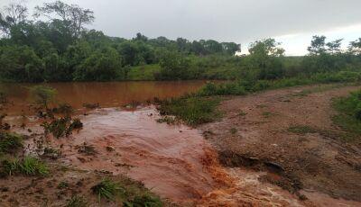 Arrendatário multado em R$ 124 mil por causar turbidez na água de córrego e rio afluentes do Formoso