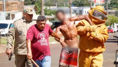 DEU RUIM: Atrapalhado, ladrão invade casa e acaba atacado por enxame de abelhas