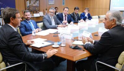 Governador busca no Ministério do Turismo R$ 30 milhões para obras em Bonito (MS)