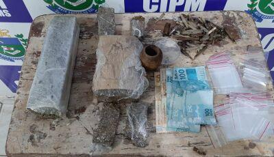 PM prende jovem de 20 anos por tráfico de drogas, entorpecentes de maconha e cocaína em Bonito