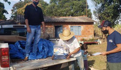 Cestas básicas doadas pelo Mesa Brasil por meio da Live Solidária de Inverno são entregues em Bonito