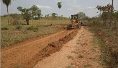 Trabalhos na zona rural e urbana não param em Bonito (MS)