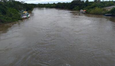 Rio Miranda sobe mais seis centímetros e continua em situação de emergência