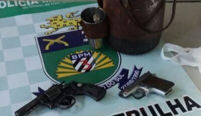 Sogra e nora são detidas com armas escondidas em garrafa de tereré