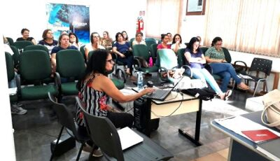 """SEMEC realiza o """"DIA D"""" da Base Nacional Comum Curricular em Bonito (MS)"""
