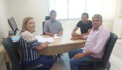 Vereadores se reúnem com assessor do Presidente da Sanesul e entregam reivindicações para Bonito