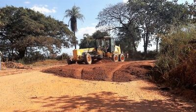Na Matheus Muller, utilizou mais de 300 caminhões de cascalho e deve terminar nesta quinta em Bonito