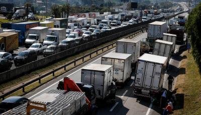 STF autoriza uso de força para desbloqueio de rodovias e impõe multa a quem descumprir decisão