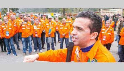"""Petroleiros do Pais inteiro anunciam greve """"Vamos parar todas as Refinarias"""""""