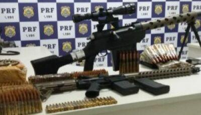PRF apreende arma de guerra e munições que poderiam ser usadas em assalto