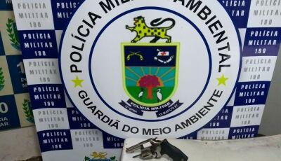 PMA prende assentado de 52 anos com revólver e munições ilegais