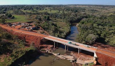 Moradores e caminhoneiros destacam a nova ponte em substituição a que desabou em Guia Lopes
