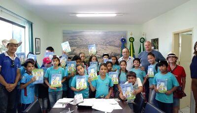 BONITO: Odilson recebe alunos que participam do Programa Agrinho, modalidade Experiência Pedagógica