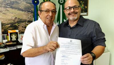 Prefeito dá posse ao novo secretário de Meio Ambiente em Bonito (MS)