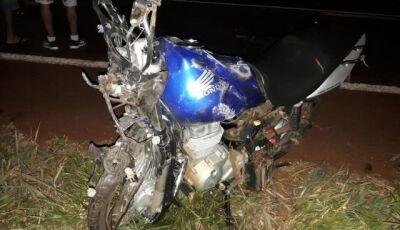 Caminhonete invade pista, bate em motocicleta e mata casal em Rio Brilhante