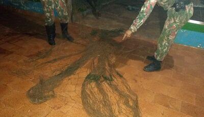 PMA apreende rede e anzóis de galho nos rios Miranda e da Prata