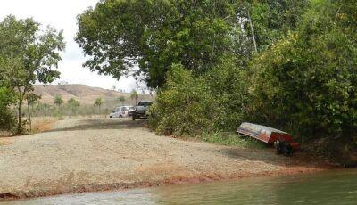 Cinco jovens sobrevivem após naufrágio de lancha em rio de MS