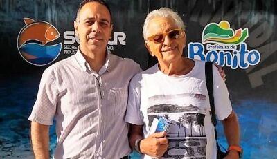 Jornalista da Globo News, Fernando Gabeira grava programa em Bonito (MS)