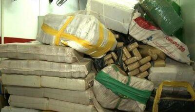 Carreta com 4,6 toneladas de maconha que saiu de MS é apreendida em SP