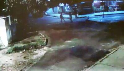 Vendedor ambulante é assassinado na frente da mulher grávida em cidade do MS