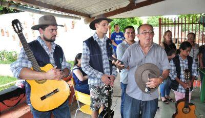 BONITO (MS): Prefeito entrega uniformes da banda e da orquestra de viola e violão, VEJA FOTOS