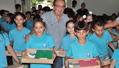Prefeitura conclui a entrega dos kits escolares de 2019 em Bonito (MS)