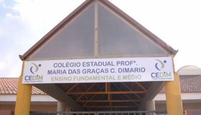 Adolescentes mascarados e com machado invadem escola no Paraná