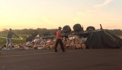 Motorista morre após ser arremessado de caminhão em rodovia em MARACAJU