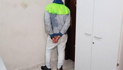 Jovem é preso com 130 pedras de crack na 'bunda', veja os detalhes