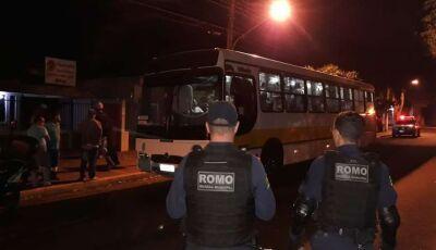 Internos do Semiaberto são flagrados com droga e bebida em ônibus que os levava para trabalhar