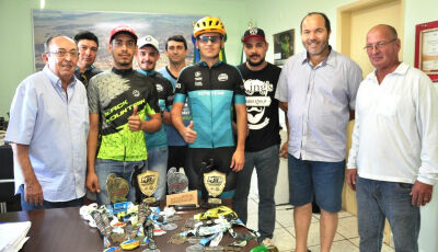 BONITO: Equipe 'Amigos da Bike' é recebida no gabinete, Odilson parabeniza e deseja boa sorte