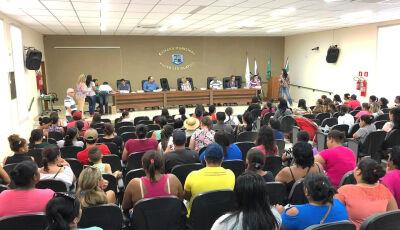 Prefeitura recebeu documentos para ligação gratuita de energia elétrica do conjunto Rio Bonito I