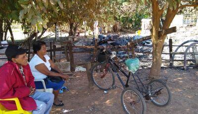 Família que teve casa 'engolida' pelo fogo pede ajuda de materiais para construção em Bonito (MS)