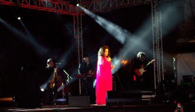 Gal Costa encanta o público com show incrível na 3ª noite do Festival de Inverno de Bonito