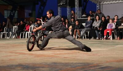 Espetáculo que une a prática esportiva com a dança contemporânea será apresentado em Bonito (MS)