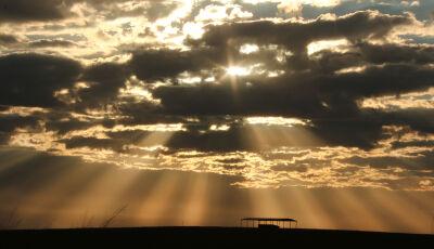 Semana começa com baixa umidade do ar e sol forte em todo Estado
