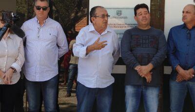 Prefeito entrega reforma da Cantina do Balneário e dois veículos novos em Bonito (MS)