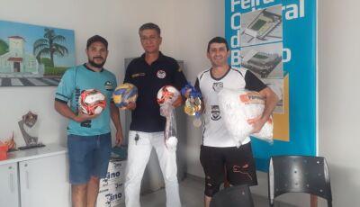 Esporte entrega materiais esportivos para realização dos Jogos Escolares do Águas do Miranda