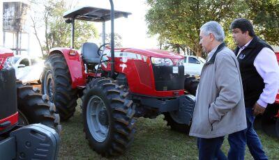 Governador entrega R$ 2,4 milhões em equipamentos para agricultura familiar, Jardim e Miranda também